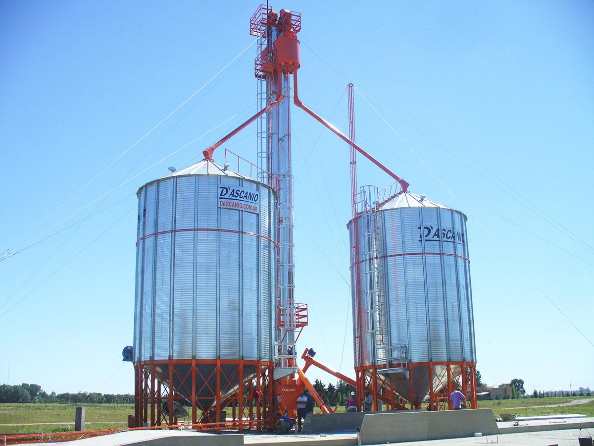 Planta de acopio con 2 silos aéreos