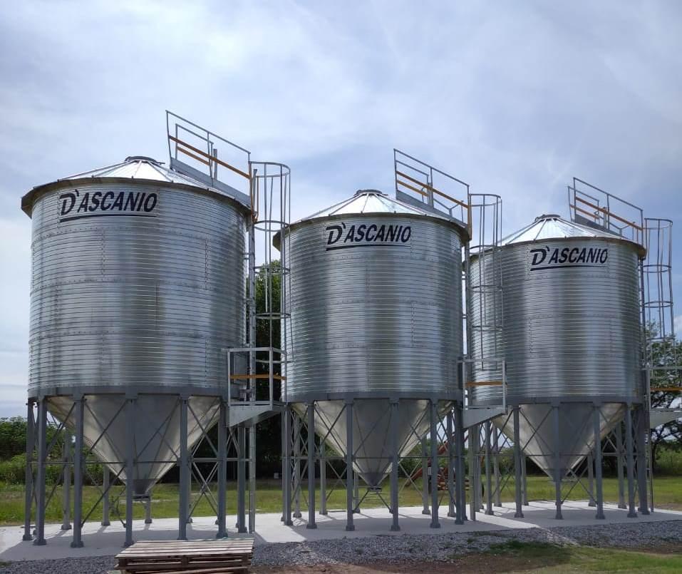 Importante Cooperativa coloca silos en 3 de sus plantas